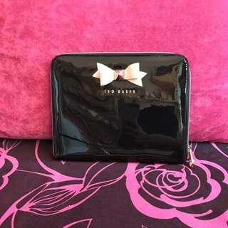 (減價)Ted baker 黑色漆皮 粉紅色蝴蝶結 玫瑰金扣 clutch ipad套