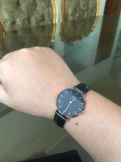 jam DW original mau dijual, harga tertinggi angkut..