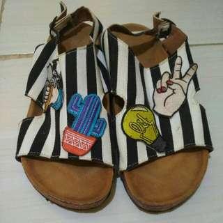 Sandal sloup (garis)