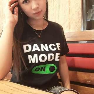 Kaos t shirt dance mode on