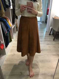 Suede Midi Skirt in Camel