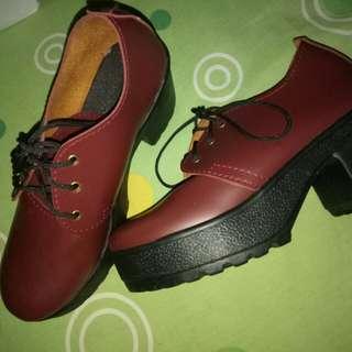 Boots heels maroon