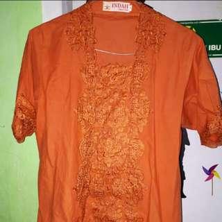 Kebaya orange