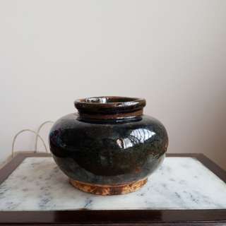 An old ginger jar