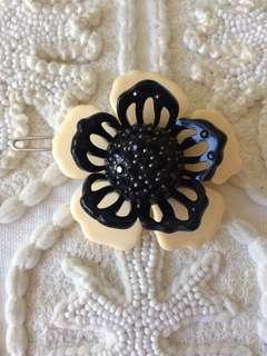 Mimco Flower hair clip