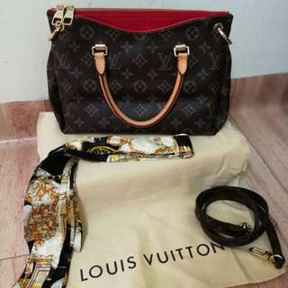 Lv Pallas 💯% Leather