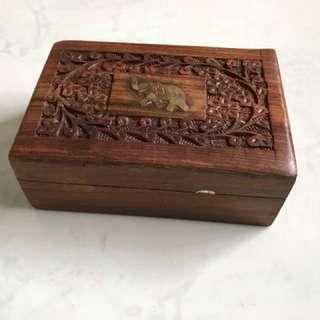 泰國象雕花木盒14.5X10X5.5cm