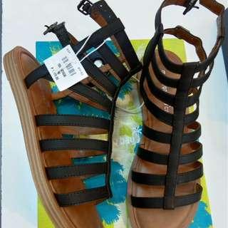 Tritton sandal