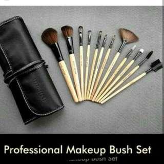 Bobby brown kuas makeup
