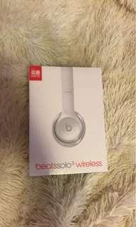 Beats solo wireless: UNOPENED