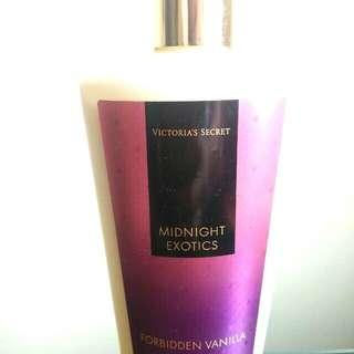 VS Midnight Exotics Forbidden Vanilla Hydrating Body Lotion