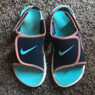 Auth. Nike sandals