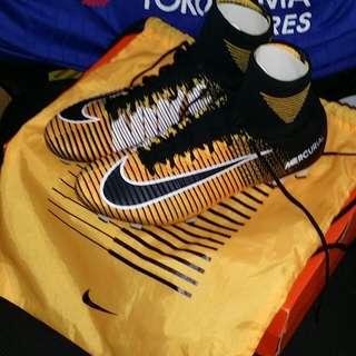 nike football boot ACC 90% new (sizes Eur42,Uk8,Us8.5)