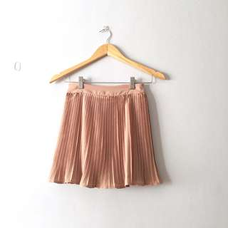 Pleated Skirt (light brown)