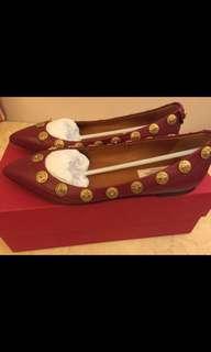 全新 Valentino Red Gold Shoe 紅色金釘皮尖頭平底鞋