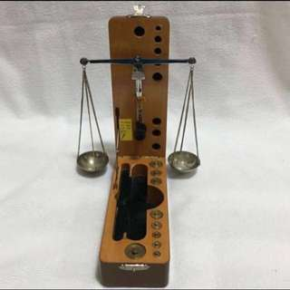 {Collectibles Item - Vintage Weighting Scale} Very Rare 20 Years Old Outstanding Quality Vintage Balance Scale Manufactured From W. Germany For Goldsmith & Jewelry Shop Come With Beautiful Box & A Set Of Weight (The Lightest weight is 1/100 CT)