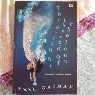 Neil Gaiman -  The Ocean at the End of the Lane (Samudra di Ujung Jalan Setapak)