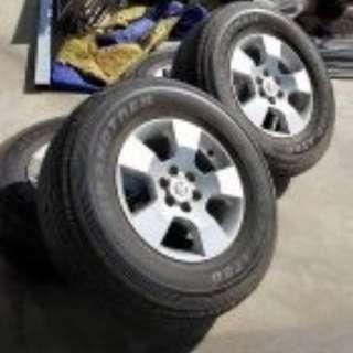 Navara tire and sport rim