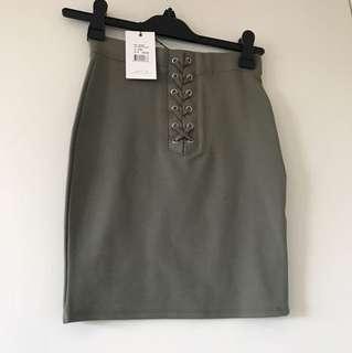Bardot - lily Ponti skirt