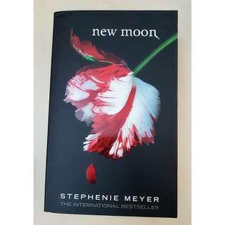 Twilight Novel Series: NEW MOON