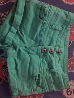 Green Mid-waist Shorts