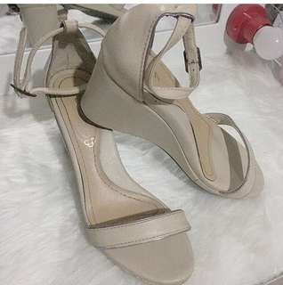 CLN Beige wedge sandals