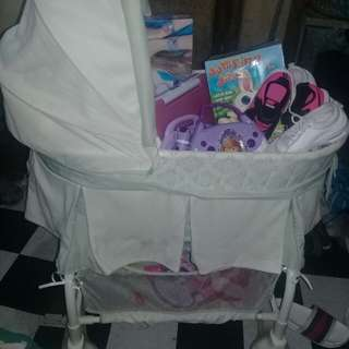Rocker crib /bassinet