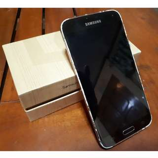 Genuine Samsung Galaxy S5 with FREE Samsung Galaxy S3