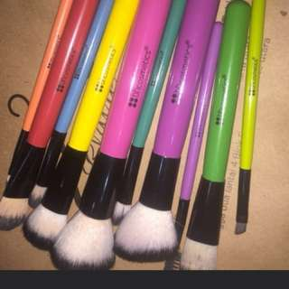 BH COSMETICS BRUSH