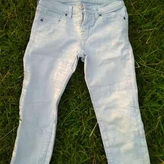 7/8 Light Blue Jeans
