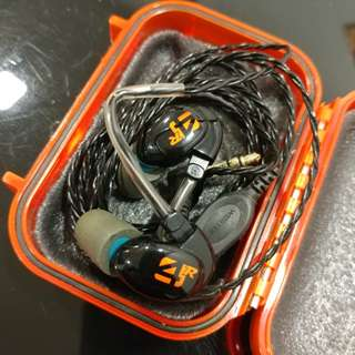 Westone 4R earphones