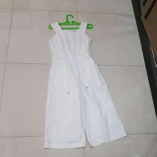 Jumpsuit putih et cetera