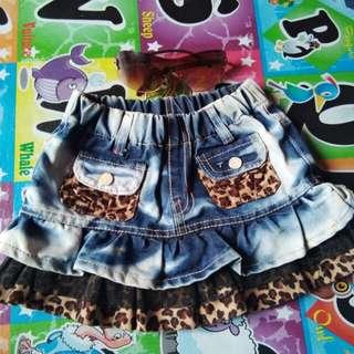 Rok mini jeans corak macan
