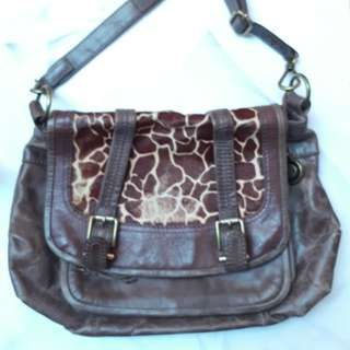 The Sak roots. Leather bag