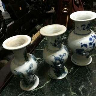 清朝青花瓶三支