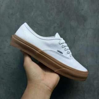 VANS AUTHENTIC WHITE SOLE GUM