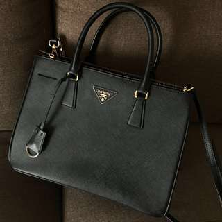 [REDUCED] Prada Saffiano