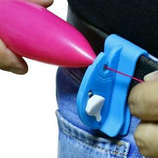 BNIB Clip-on Quick Balloon Cutter