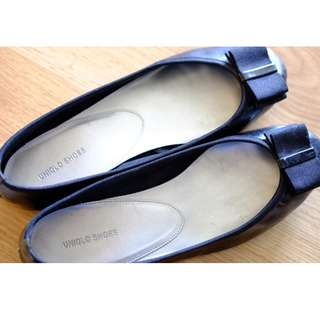 Uniqlo SHoes