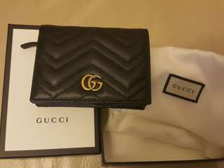 Gucci (GG Marmont Card Holder)