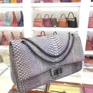 Chanel 氣質巴黎灰特殊皮雙蓋Jumbo🐘未使用品狀態☝🏻價格超級好