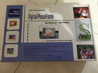 Digital Photo Frame - Mitsubishi