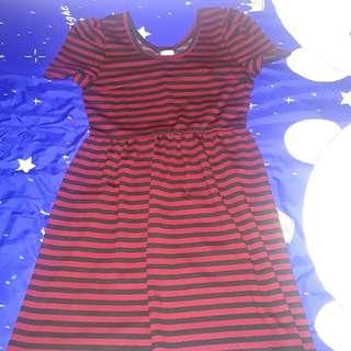 Free mailing wine red dark red sleeve dress