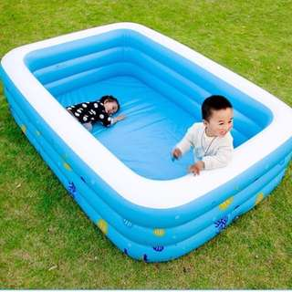 Water play swimming pool + pump