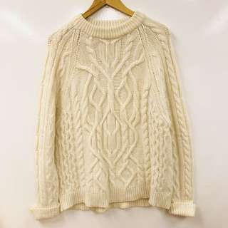 Mcqueen white knitted sweater top size 36