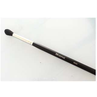 Morphe Studio Pro Brush Blending Crease - M330 Brand New & Authentic (NO OFFERS)