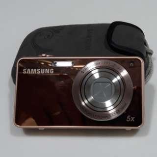Samsung Camera ST700