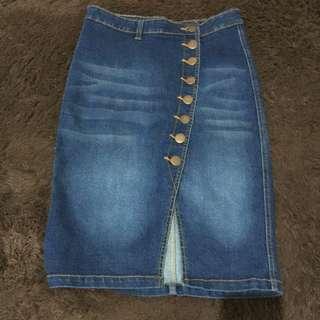 skirt jeans kondisi 9/10.size m