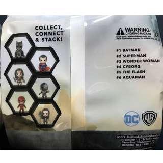 正義聯盟模型公仔 (六個一套) #BATMAN蝙蝠俠、WONDER WOMAN神奇女俠、THE FLASH閃電俠、AQUAMAN水行俠、CYBORG鋼骨、SUPERMAN 超人