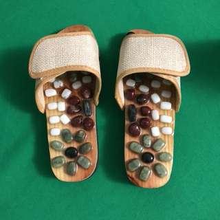 鹅卵石玉石按摩鞋足底穴位保健按摩拖鞋男女